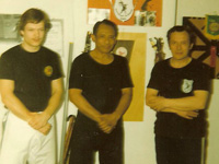 Stan (l), Pak Floh and Stan's father (r)